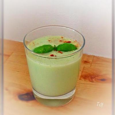 smoothie-concombre-basilic