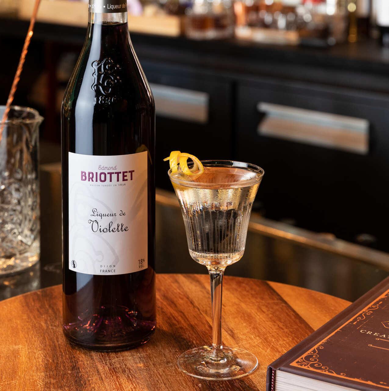 briottet-cocktail-The-Attention-Violette-home