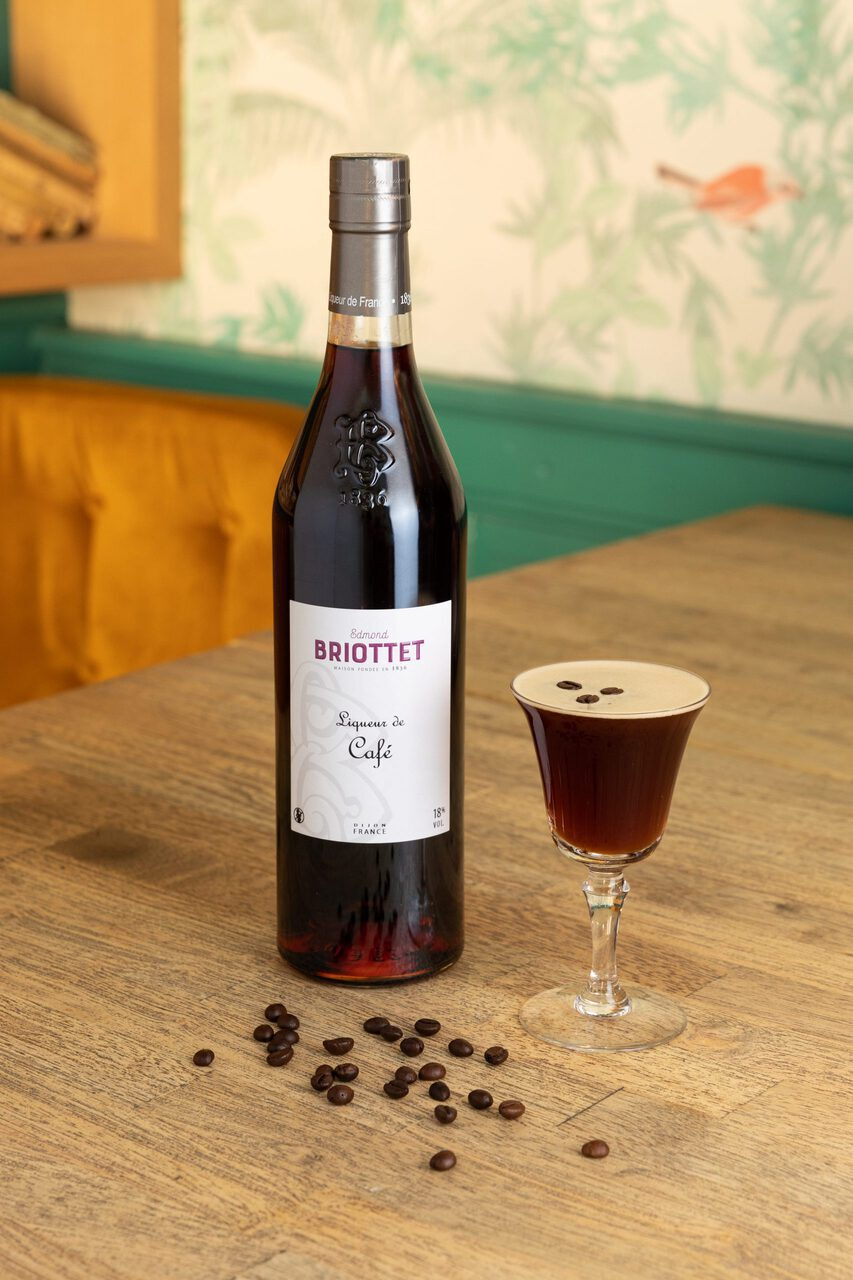 briottet-cocktail-espresso-martini-cafe