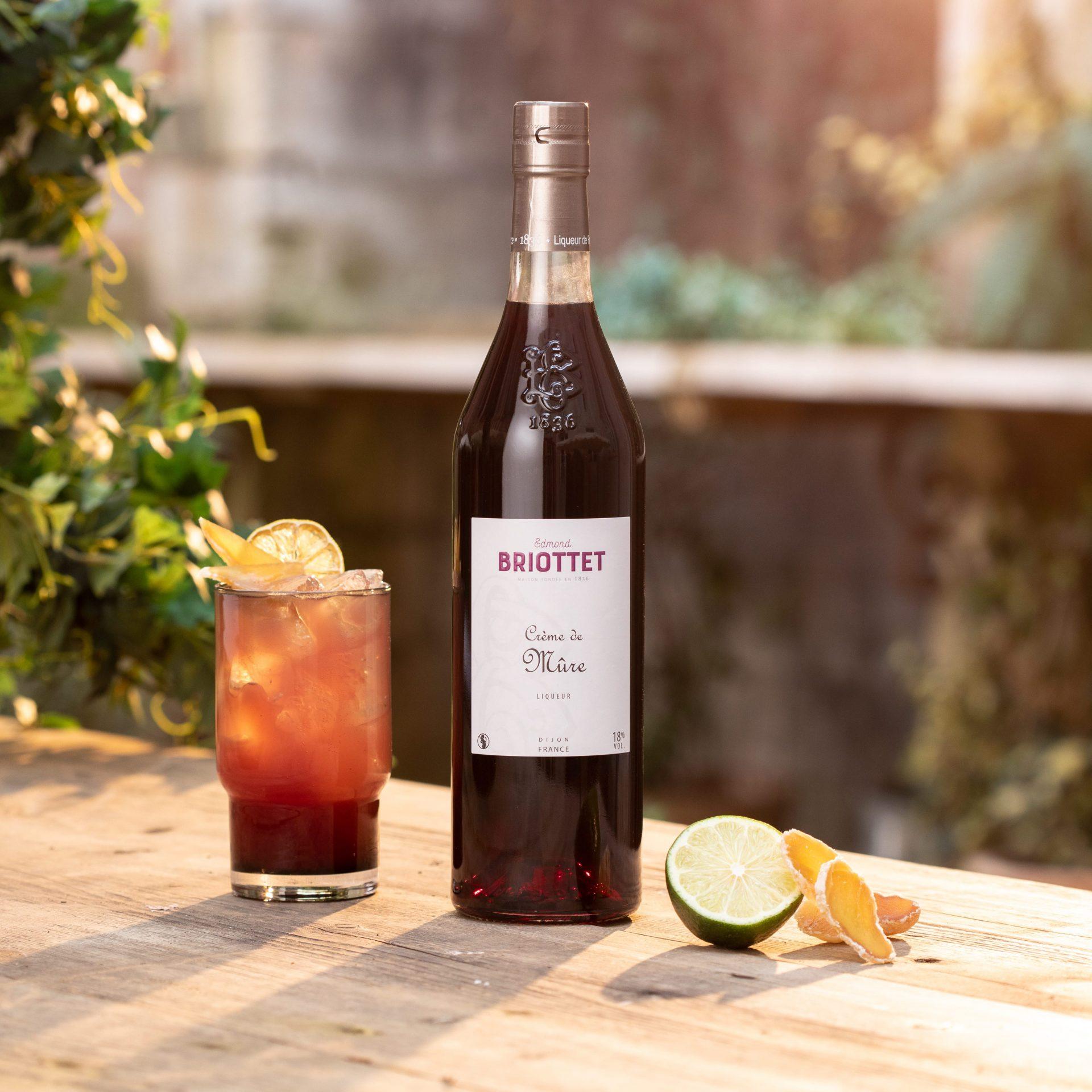 09-Briottet Cocktails 2021 - Black Berry Mule - HD - Antoine Martel - Photographe (1)
